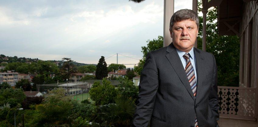 <b>Hasan Gürsoy</b> Yönetim Kurulu Başkanı